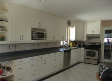 Custom Kitchens and interior renovations by Hamilton Thorne Quality Cabinets Ltd. Project-DSC010