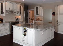 Custom Kitchens and interior renovations by Hamilton Thorne Quality Cabinets Ltd. Project=1b