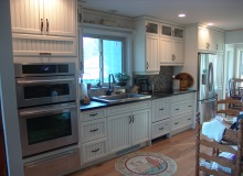 Custom Kitchens and interior renovations by Hamilton Thorne Quality Cabinets Ltd. Project-DSC03616