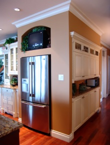 Custom Kitchens and interior renovations by Hamilton Thorne Quality Cabinets Ltd. Project-DSC07691