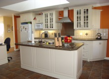 Custom Kitchens and interior renovations by Hamilton Thorne Quality Cabinets Ltd. Project-DSC08208