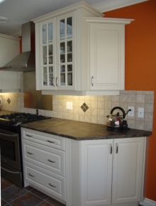 Custom Kitchens and interior renovations by Hamilton Thorne Quality Cabinets Ltd. Project-DSC08210