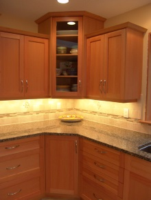 Custom Kitchens and interior renovations by Hamilton Thorne Quality Cabinets Ltd. Project-s12